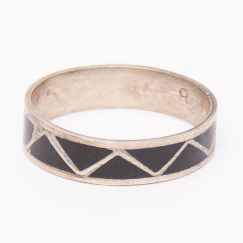 Black Jet Zigzag Ring