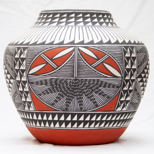 Large Mr Vicente Acoma Pottery
