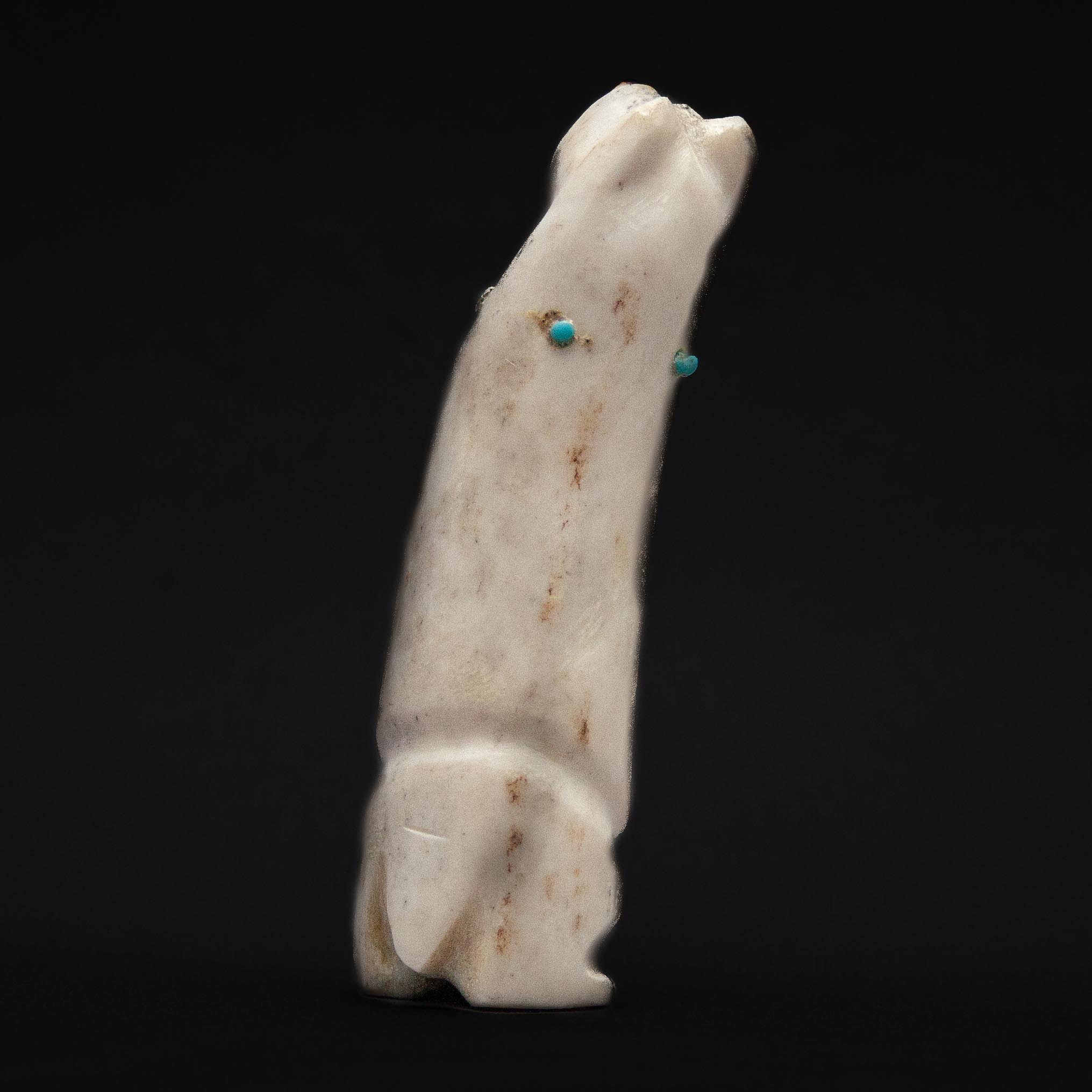 Claudia Peiña Zuni Bear Carving