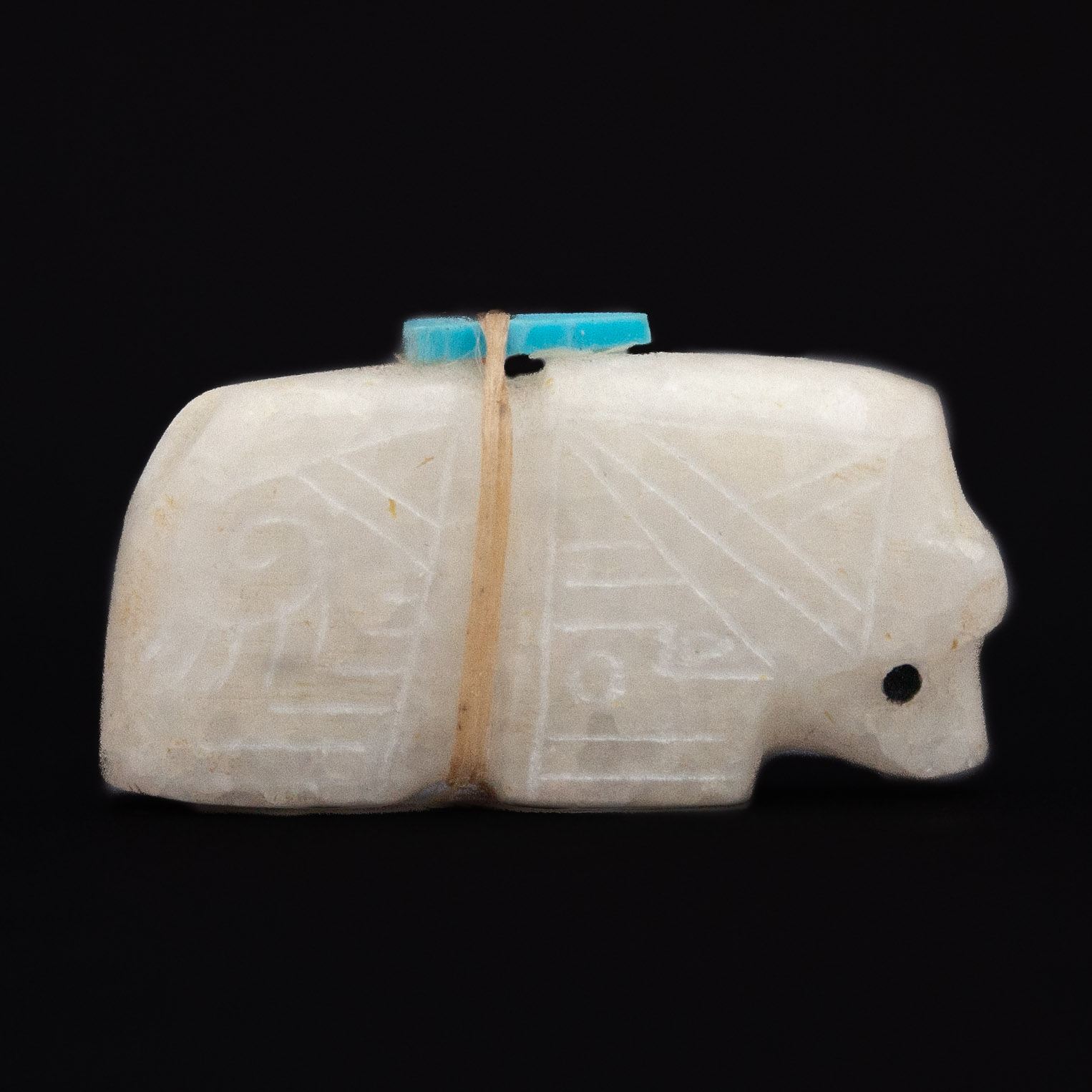 Small White Marble Zuni Bear Carving